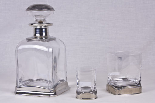Juego de licor: Licorera, vasos de chupito y vasos anchos